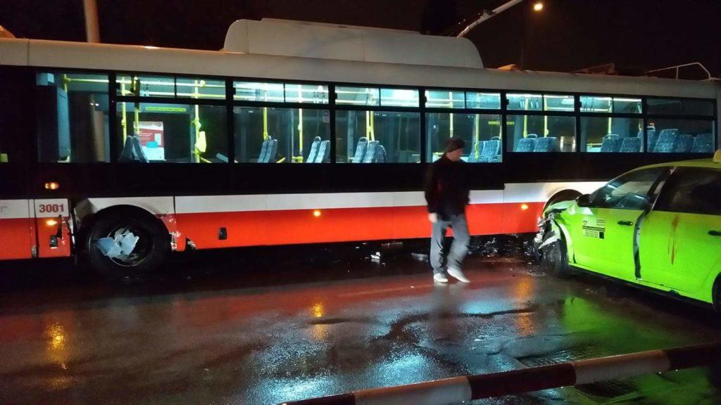 Trolejbus nepôjde, no ty sa o tom nedozvieš. Dopravná nehoda trolejbusu, Banská Bystrica, 2019